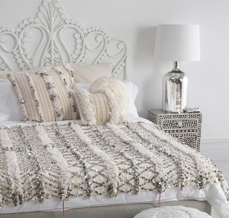 Tte de lit orientale pour une chambre chic et exotique  Dcoration orientale Oriental et Tete de