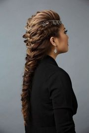 trendy classic prom hairstyles