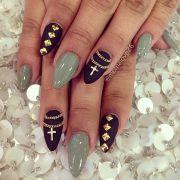 cross chain nail art design