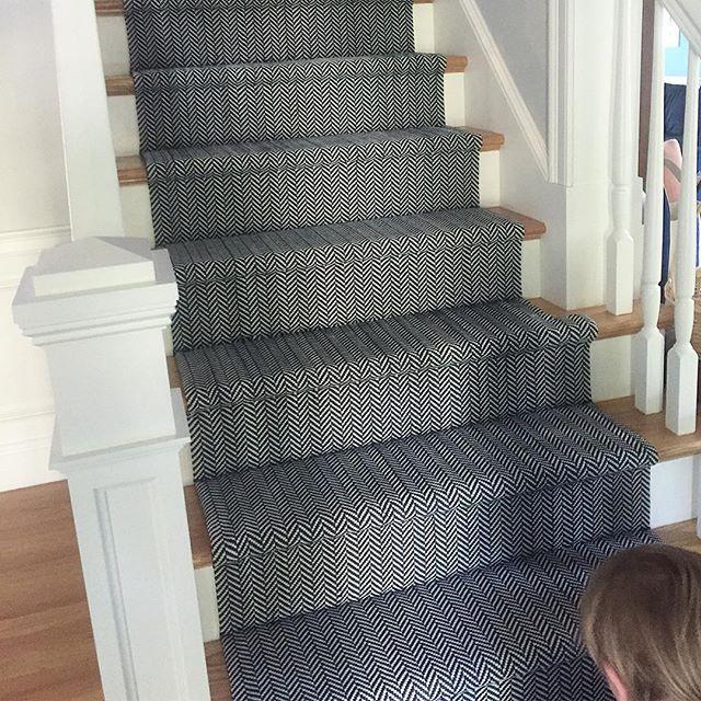 Best 25 Navy stair runner ideas on Pinterest  Stair rug