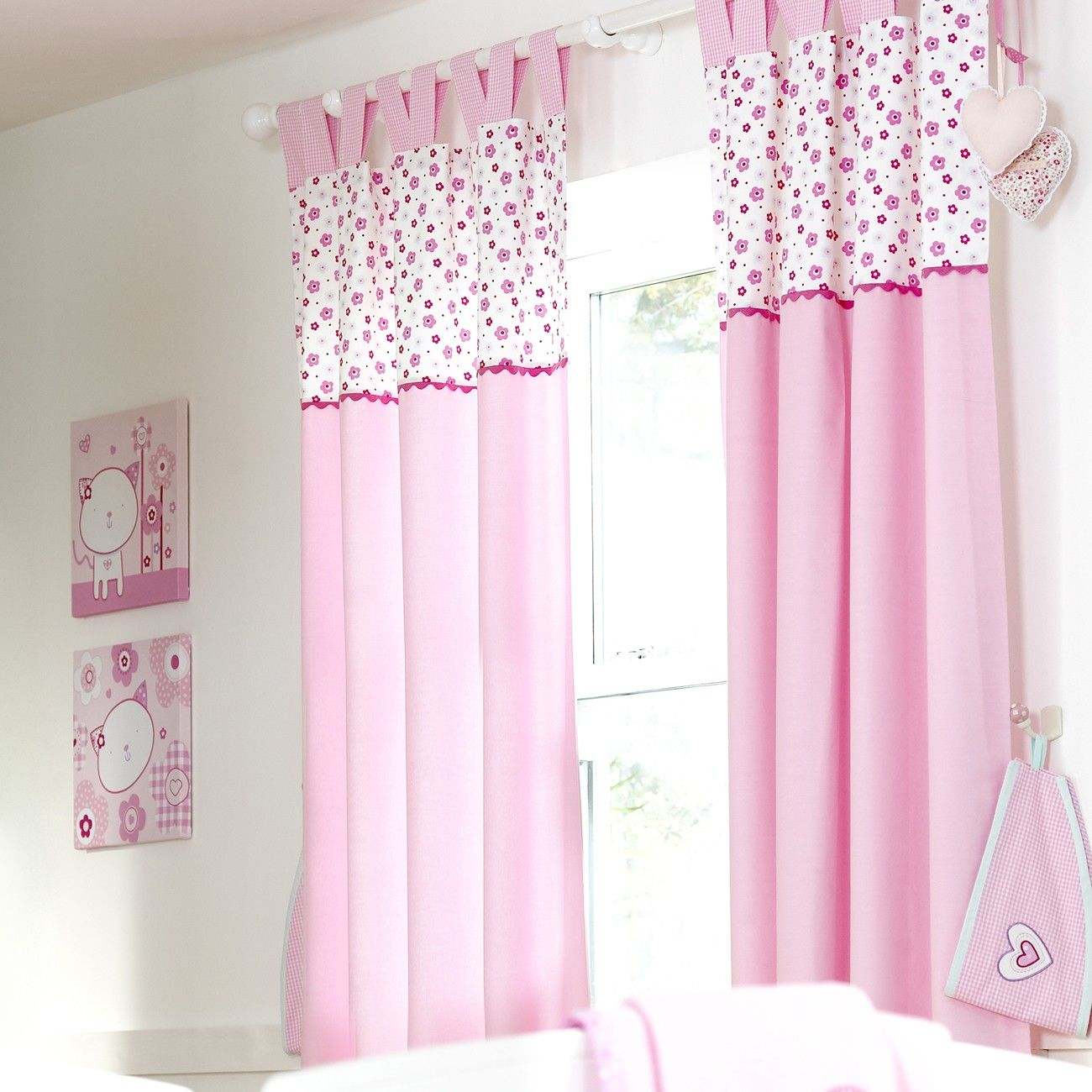 Baby room curtain styles -