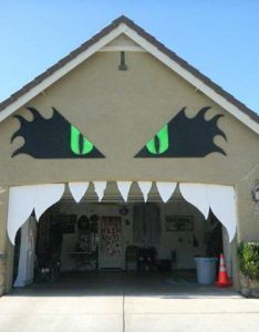 Scary house also that time of year again holidays pinterest rh