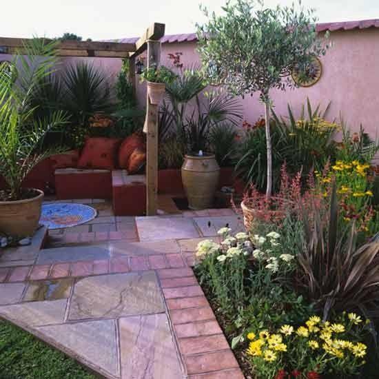 Mediterranean Style Courtyard Gardens Style And Mediterranean