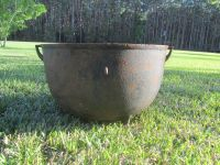 ANTIQUE CAST IRON Cauldron, Wash Pot, Footed Pot, yard ...