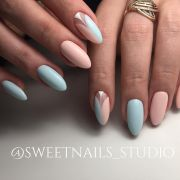 baby blue pastel pink nails