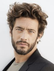 beard styles men with curly