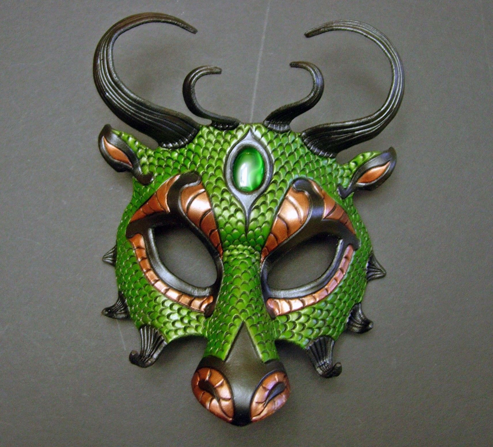 7 prinzessinnen und jede menge drachen detailed diagram of the ear green dragon mask masken pinterest kostüm