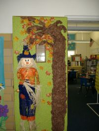 My fall classroom door. | Door decorating for my classroom ...