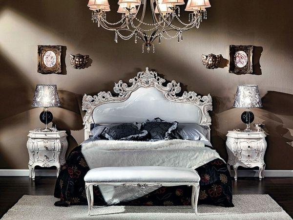 Le chevet baroque rennaissance dun meuble classique  Archzinefr  Style ancien Banquette et