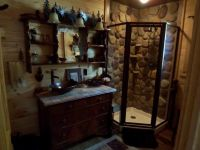 Best 25+ Rustic cabin decor ideas on Pinterest | Rustic ...