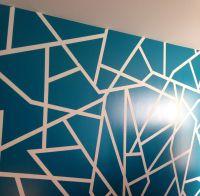 Geometric wall paint design
