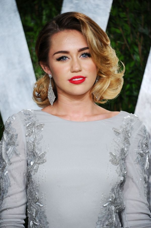 Miley Cyrus Vintage Hair Best Celebrity Hairstyles From 2012