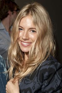 SIENNA MILLER  Relaxed blonde waves | Hair Color ...