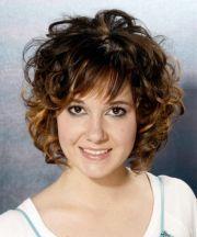 short layered wavy hairstyles