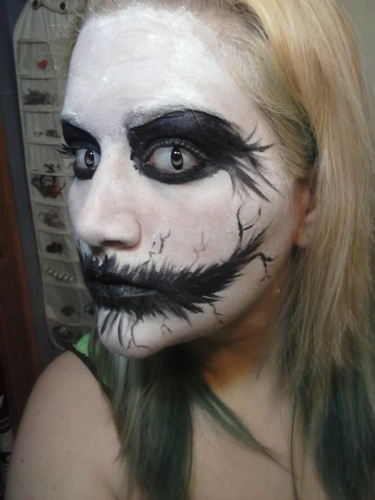 Creepy Black And White Face Paint Makeup Homemade