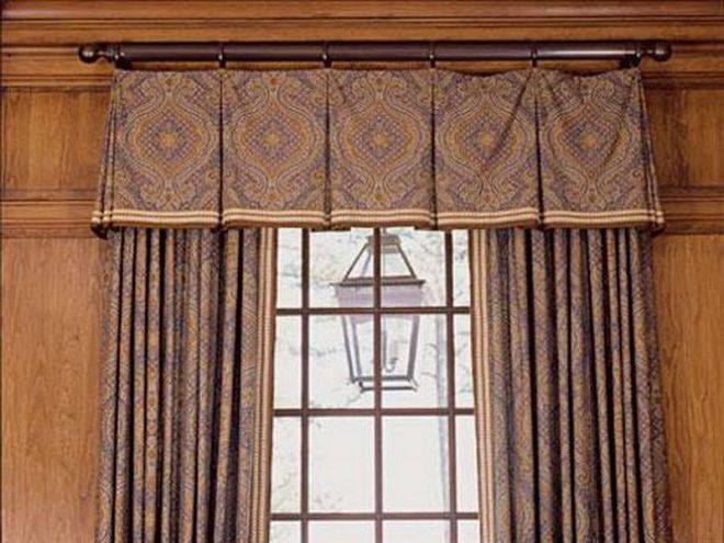 Box pleat valance on rings perfect for a more formal room