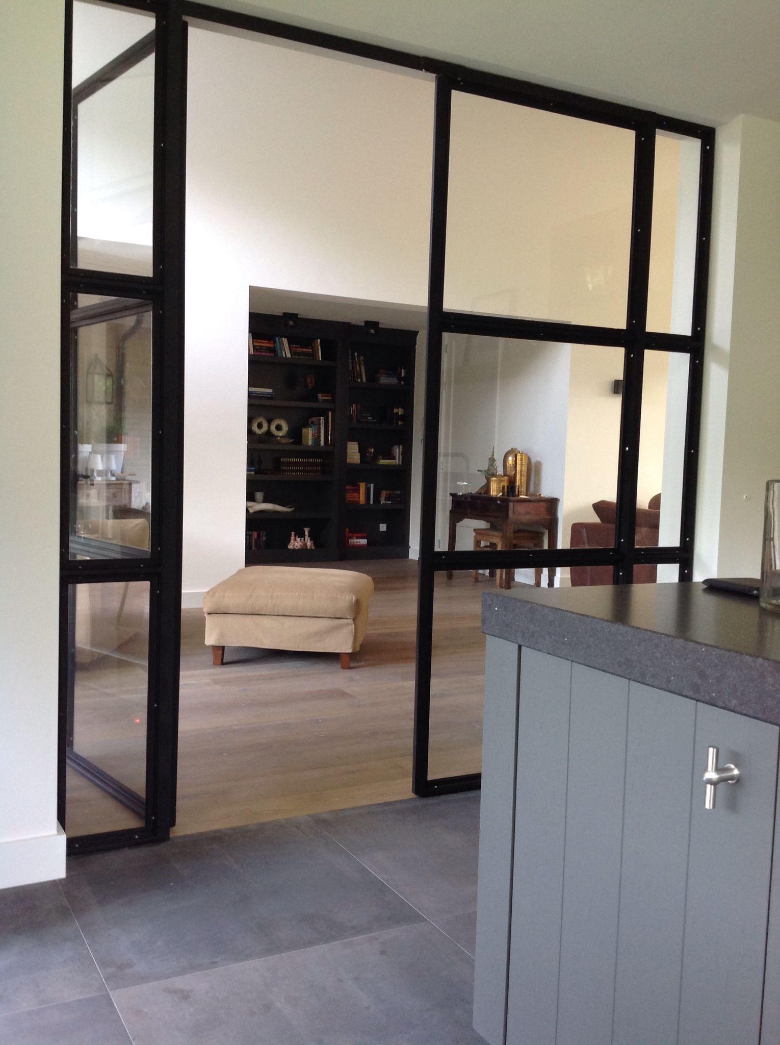 Stalen deuren tussen keuken en woonkamer  Home