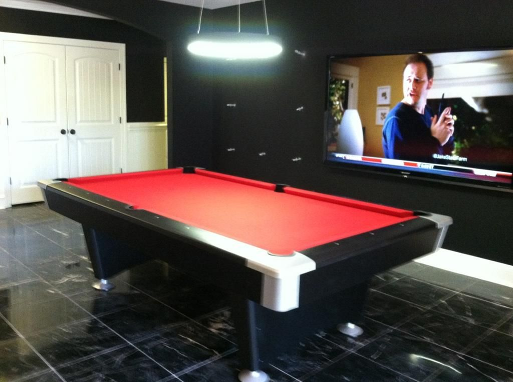 Brunswick black wolf pool table red felt huge flatscreen