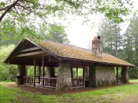 Covered outdoor picnic shelter, Silver Falls St. Park ...