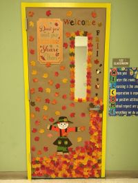 Classroom door decoration fall decoracin de puerta otoo