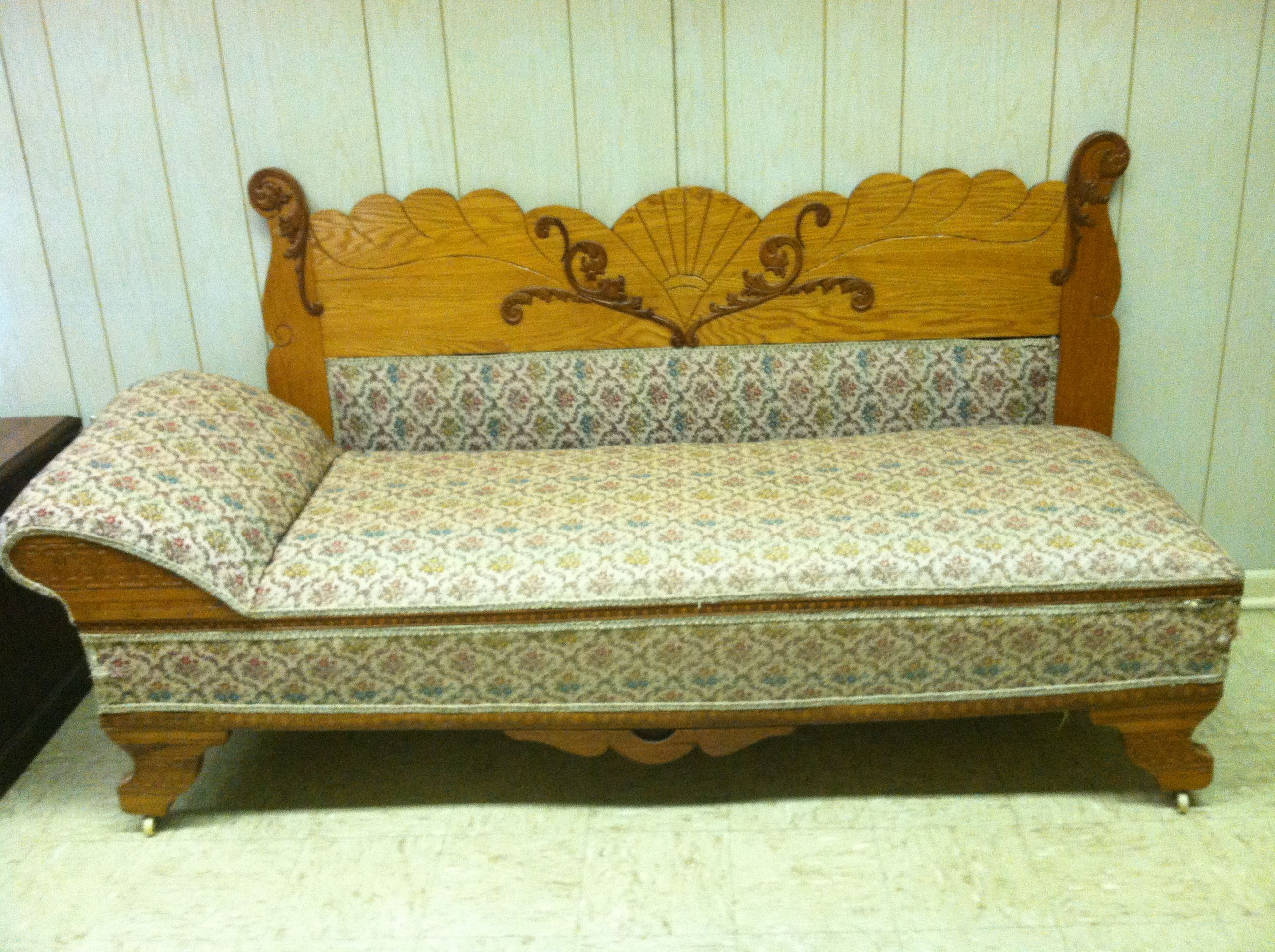 Antique Oak Fainting Couch With Fold Out Bed