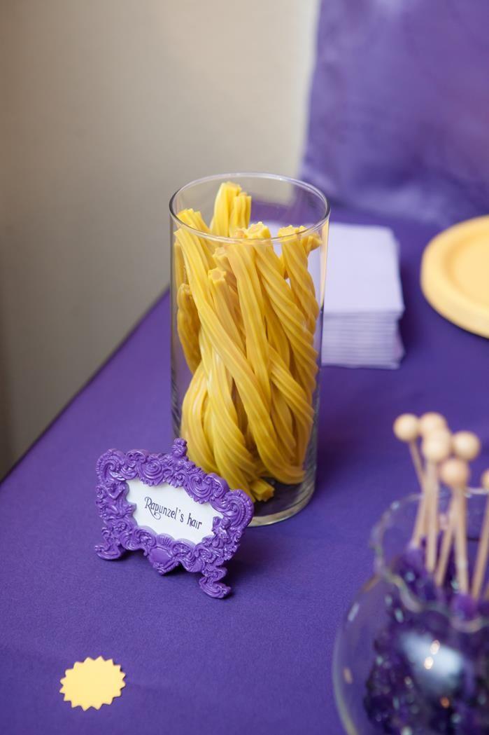 rapunzel cake decorating ideas   Ideas via Karas