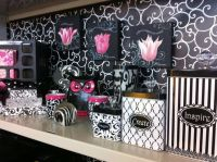 Black & pink office decor on Pinterest | Cubicles, Pink ...