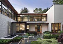 Modern House Design Front Yard