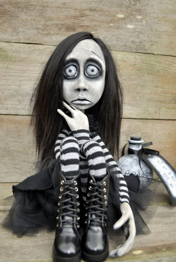 Creepy Possessed Doll Art Gothic Girl Elza