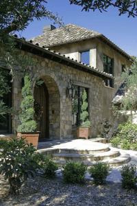 Tuscan Hillside Home & Barn