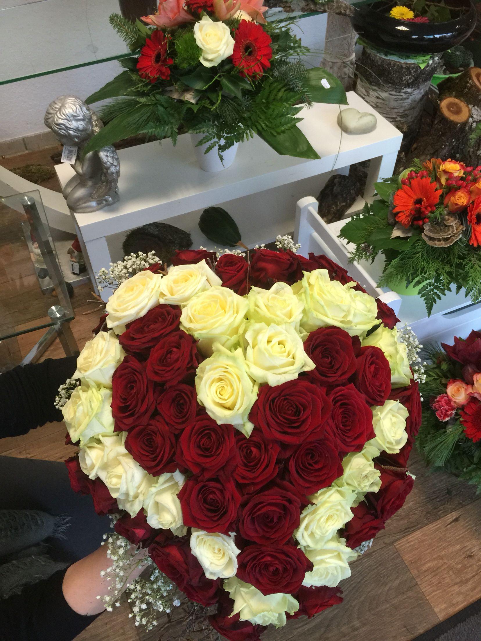 Blumenstrau in Herzform  Ikebana Flores Blumen