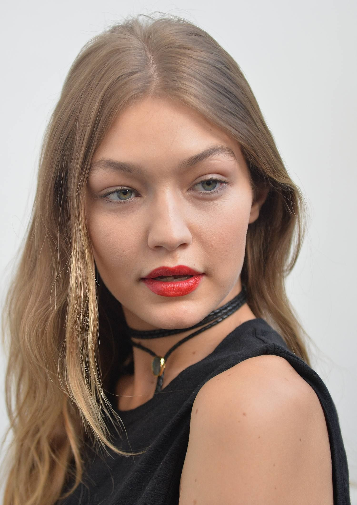 Pin by Raysa Cardenas Carrasco on Gigi Hadid