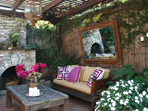 Set The Mood With Outdoor Lighting Outdoor Living Rooms And Hgtv