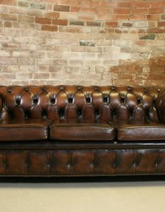 Vintage chesterfield antique brown leather seater sofa retro buttoned couch also rh pinterest