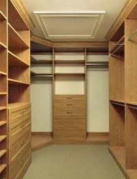 pictures of small walk-in closets | Customized Walk In ...