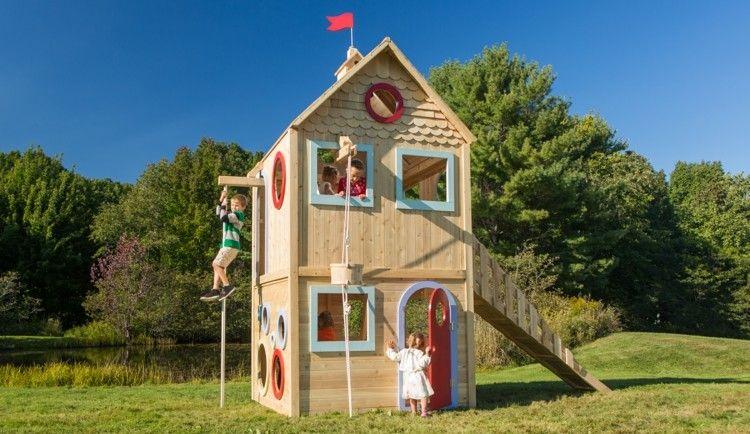 Kinderspielhaus Aus Holz Mit Kletterseil Kinder Im Garten