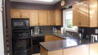 Gray kitchen walls :)