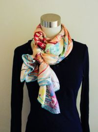 side-scrunch knot - tie your scarf Use a long rectangular ...