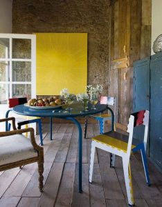 Casa homenageia estilo rural catalao restored farmhousebrick interiorold also eclectic style dining and rh pinterest