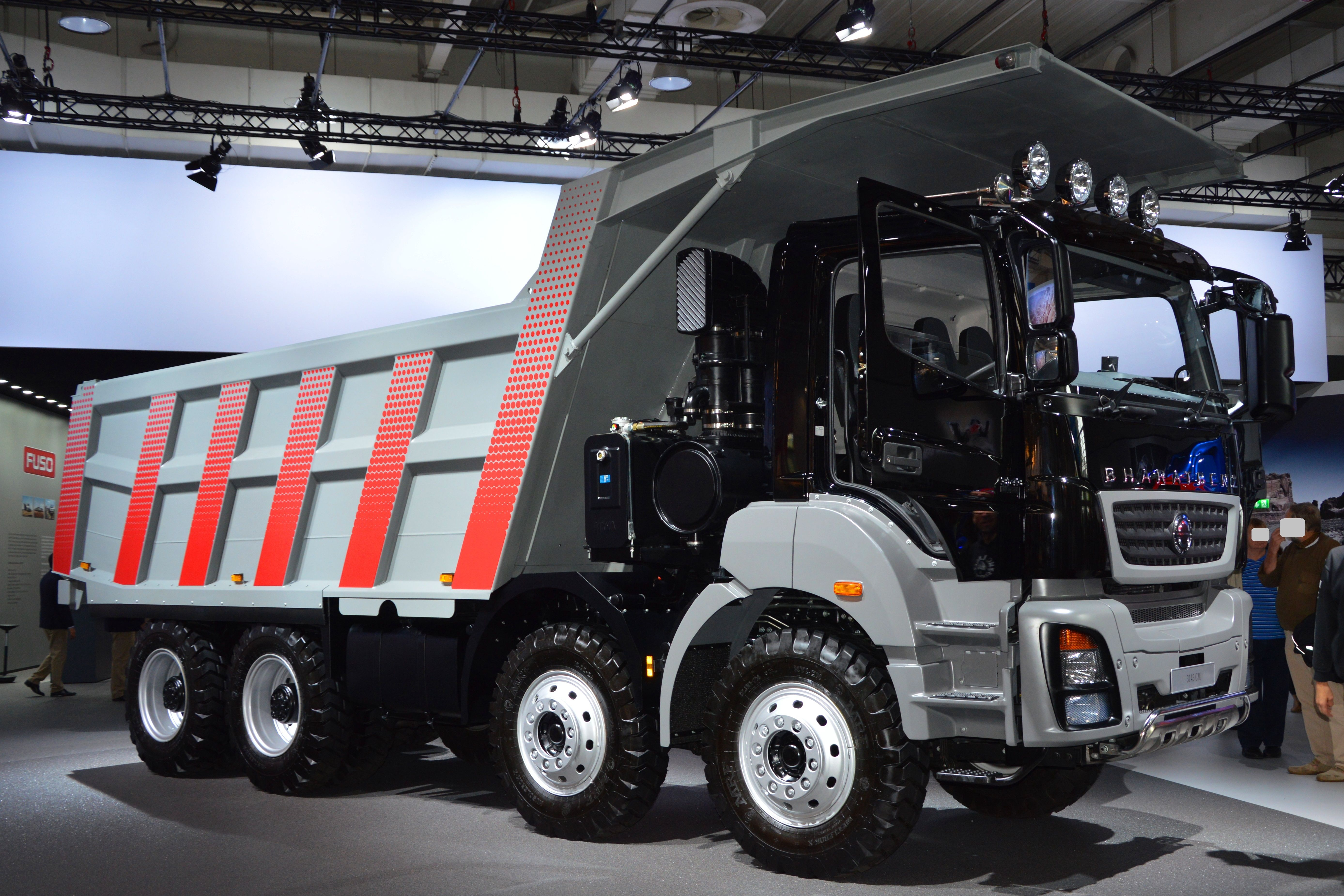 Dobre Brothers Cars Wallpaper Bharatbenz 3143 Mining Tipper Lorry Camiones Pinterest