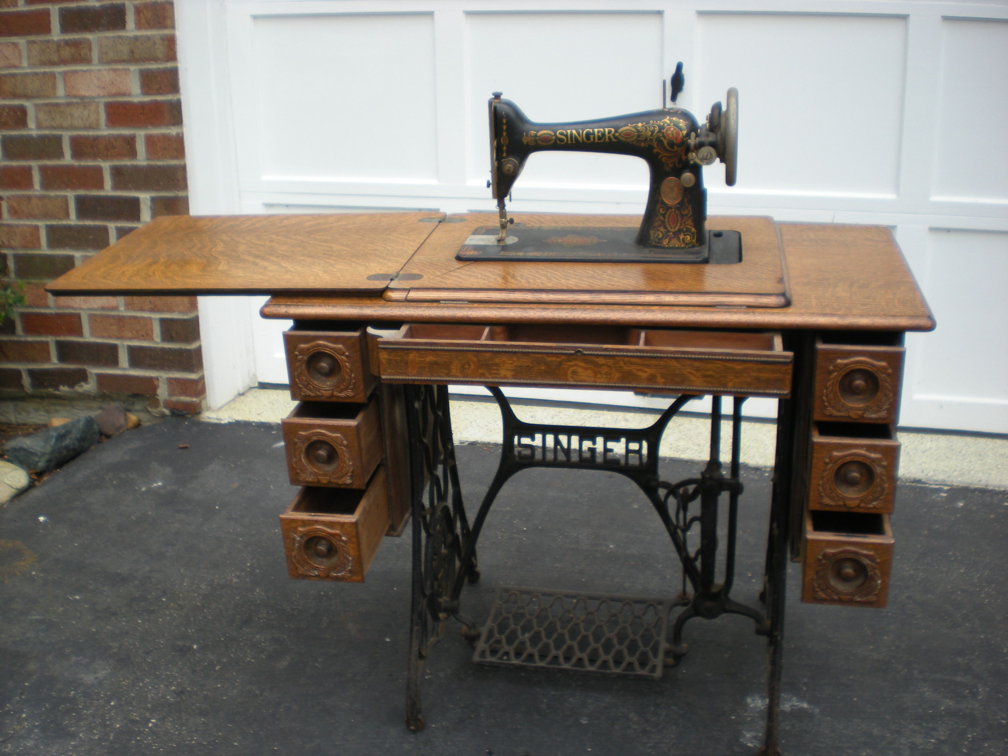 Antique Singer Sewing Machines In Cabinet Nagpurentrepreneurs
