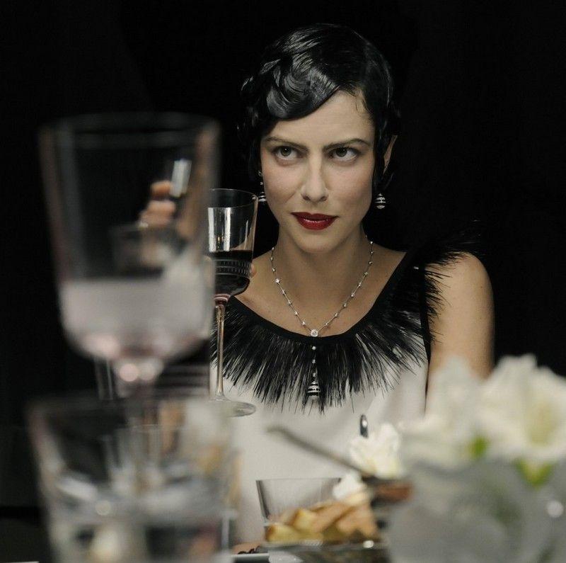 20er Jahre Mode Abendkleid Mit Schwarzen Fransen Pinteres