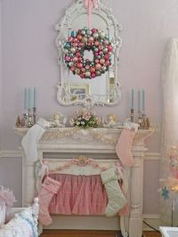 Shabby, vintage Christmas decorating ideas for every room