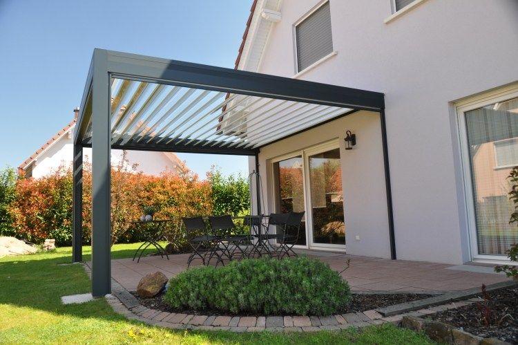 Feste Stahlkonstruktion Und Lamellen Aus Aluminium Garten