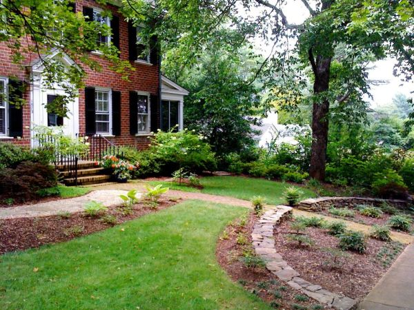 simple landscaping creates inviting