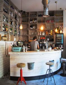 Bar interior also camarote vintage diariodeco cafe pinterest cafes and rh