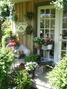 French Country Potting Shed Decor Shabby Chic Outdoor Ideas