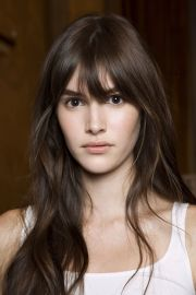 brunette hairstyles with bangs