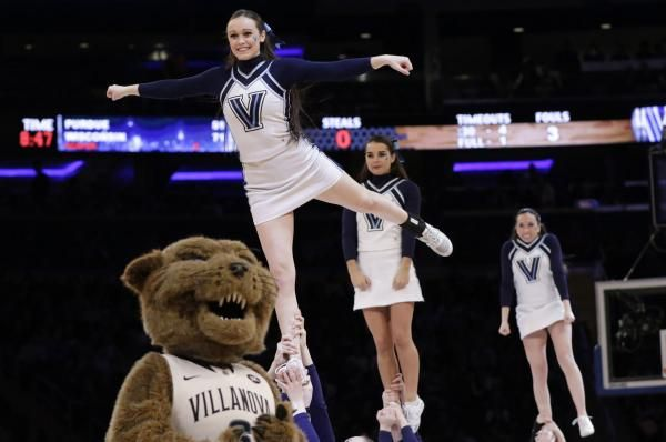 Villanova Moves Back To No 1 In AP Poll Back To Colleges And