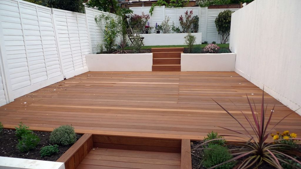 Hardwood Decking Rendered Smooth Walls White Fence And Modern